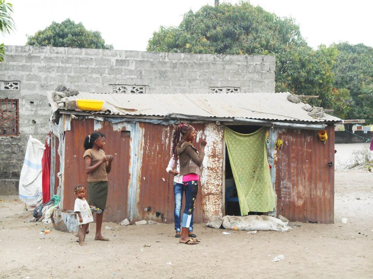 Casa in lamiera Africa