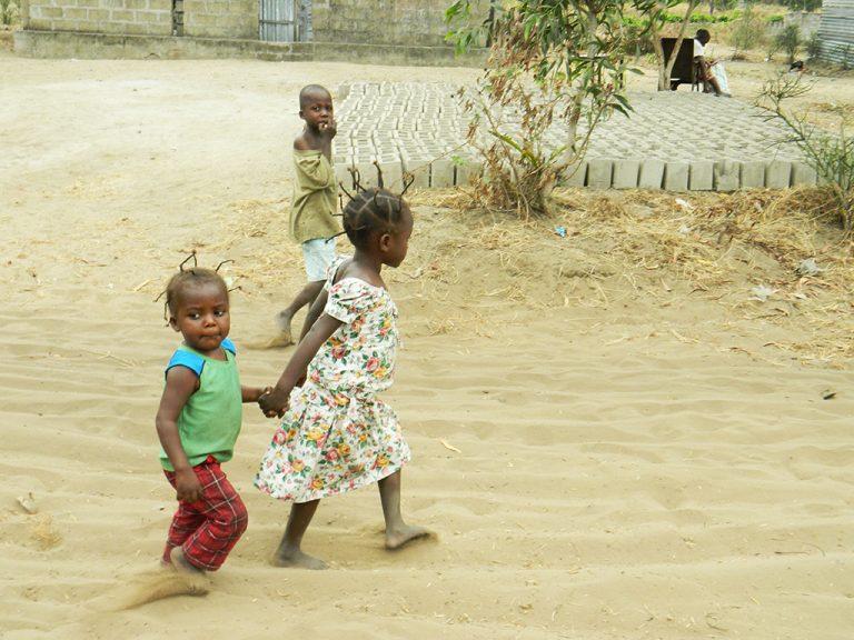 Fratello e sorella in Congo