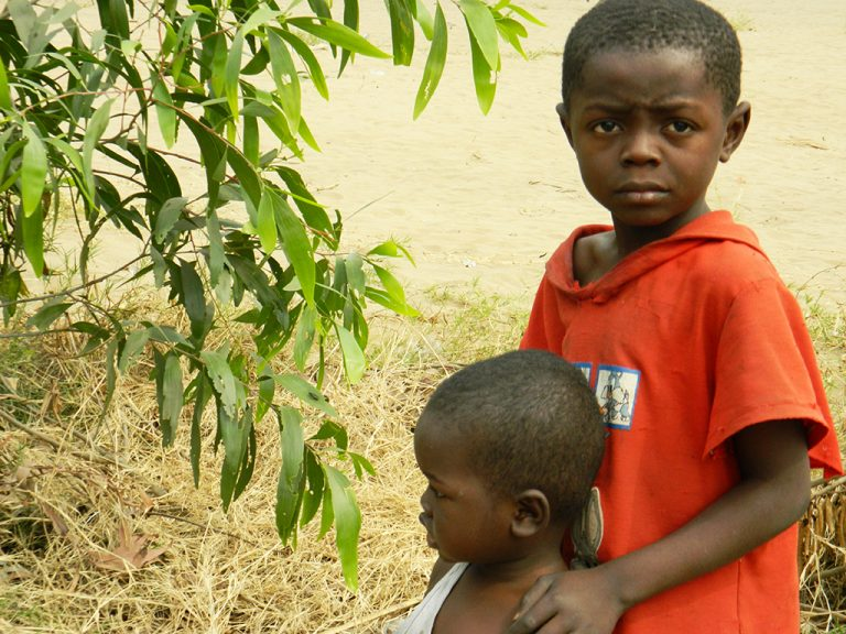 Sguardi bambini Afrca