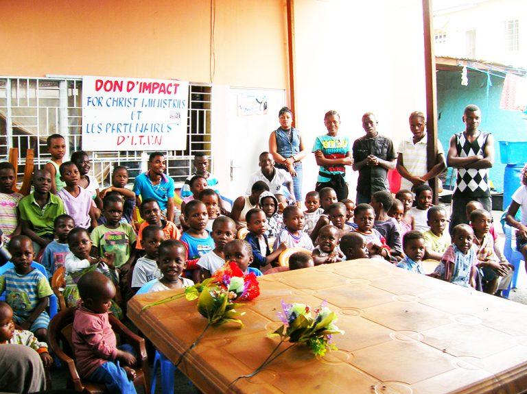 Bambini orfanotrofio Congo