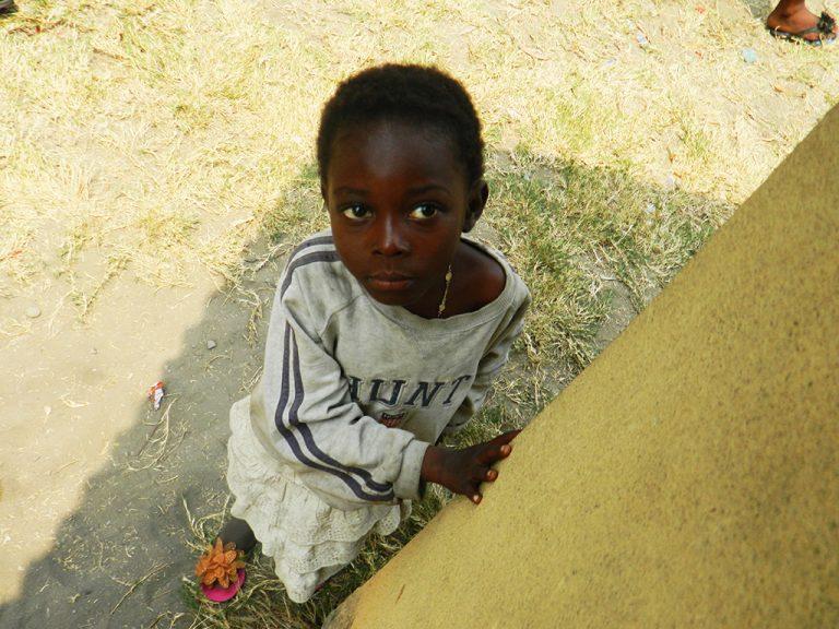 Congo sguardo bambino