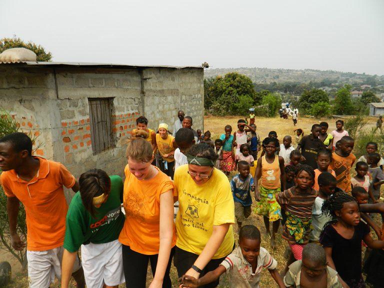 Costruzione cappella Congo
