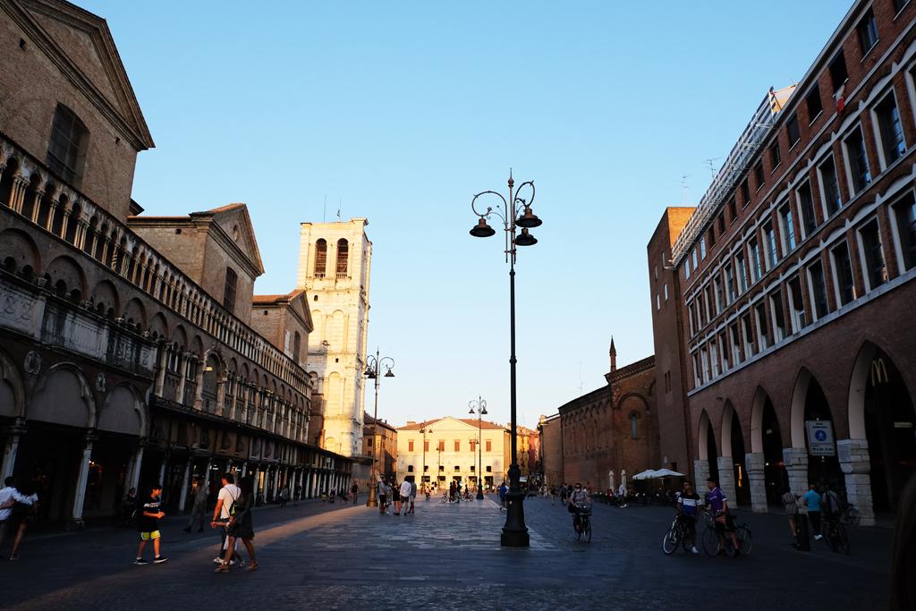 Ferrara Piazza Trento e Trieste