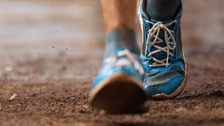 Continua a correre