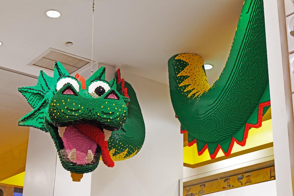 Drago Lego New York